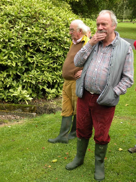 mount-juliet-25-9-2011-l-of-and-p-h-studious-or-pensive-photo-jim-white